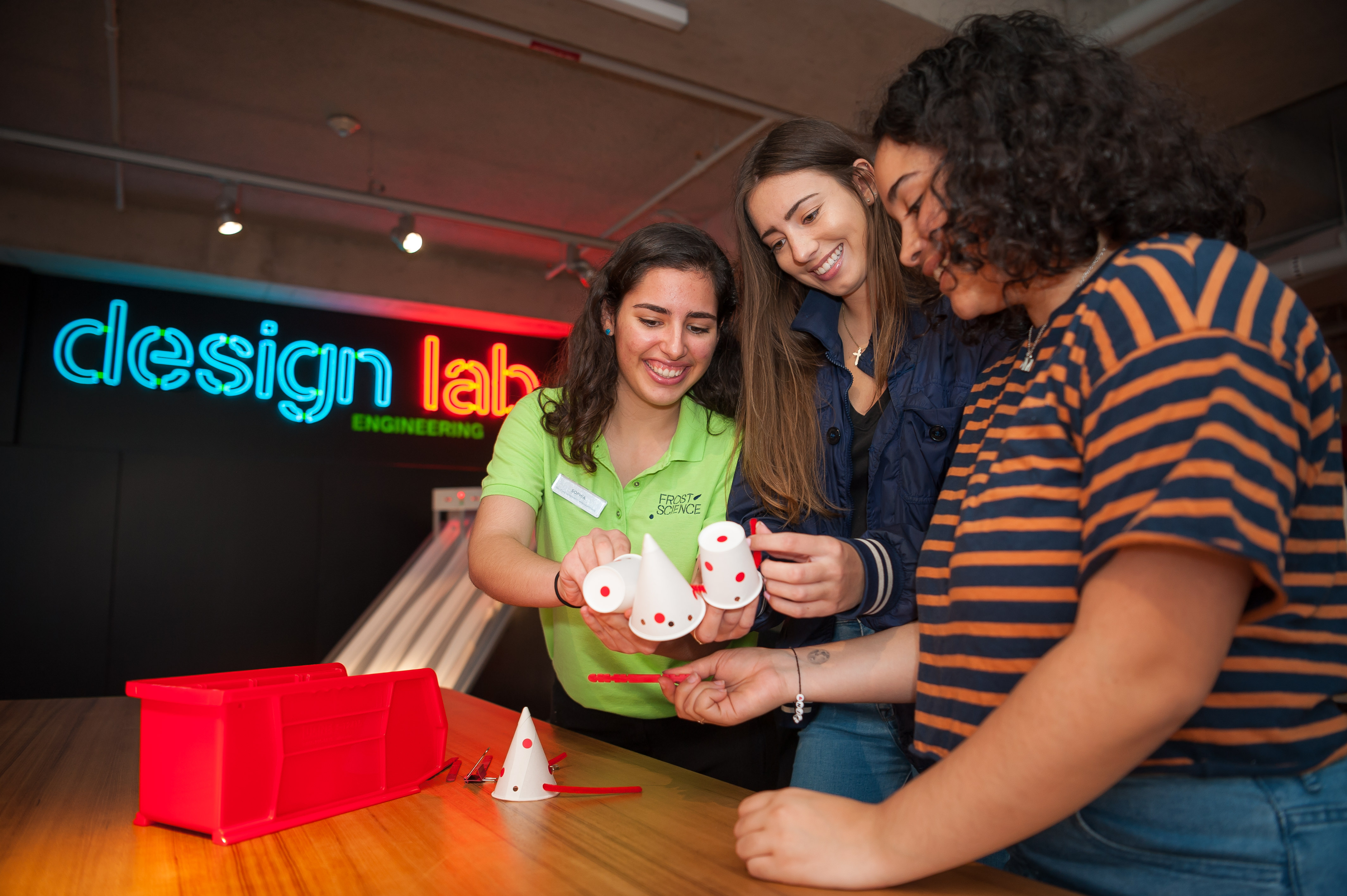 Solve design challenges creatively in our Design Lab Workshop (Photo by Sergi Alexander / Eyeworks Production)